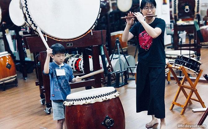 Namiko-san playing a shinobue