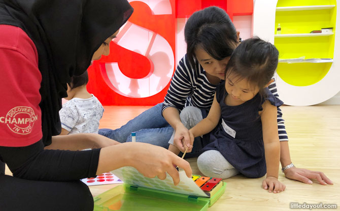 Our young participant had fun learning from MindChamps teacher Miss Farah, together with Mummy.
