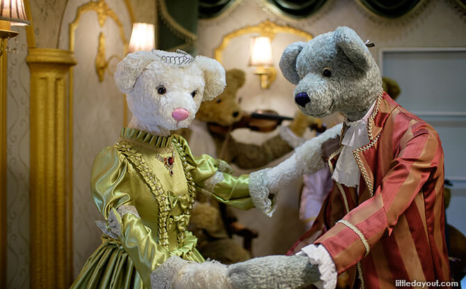 Royal Teddy Bear Couple