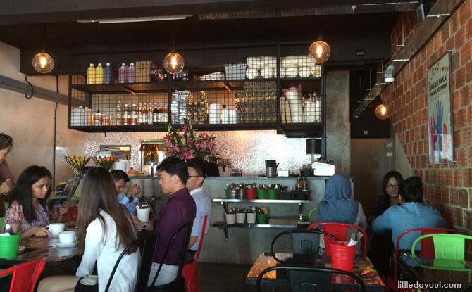 Badoque Cafe