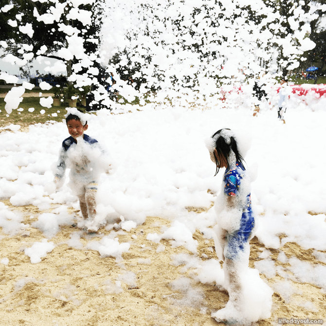 Sentosa FunFest 2016 foam play