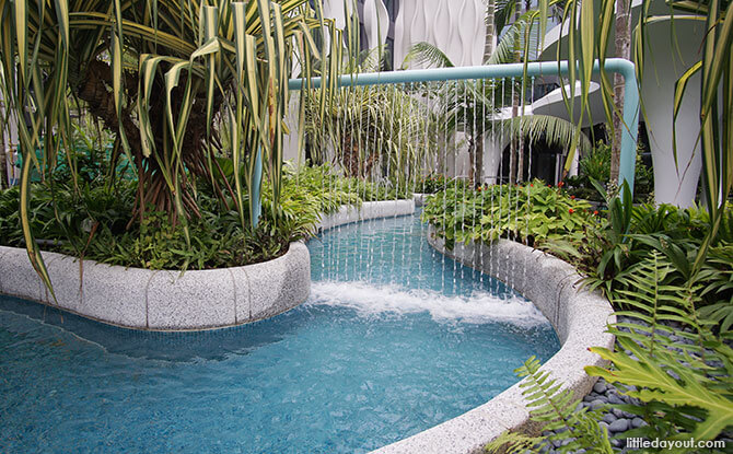Lazy River Pool, Sentosa Village Hotel
