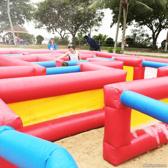 Sentosa FunFest 2016 maze