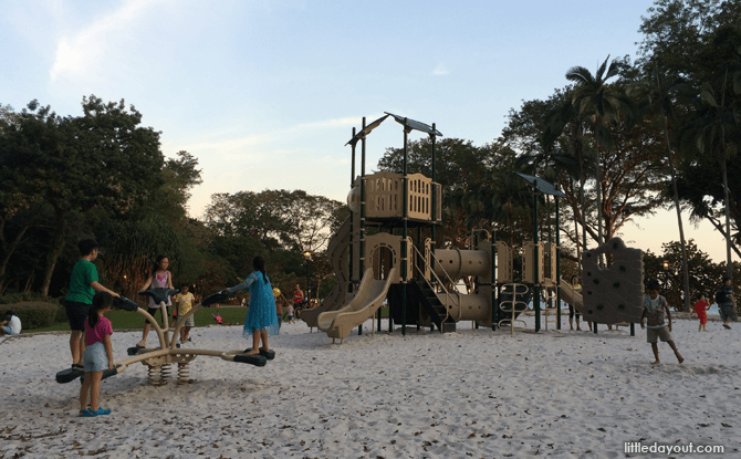 Playground at Labrador Park