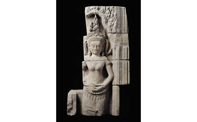 Figure of Devata from the temple complex of Preah Khan of Kompong Svay, north of Angkor.