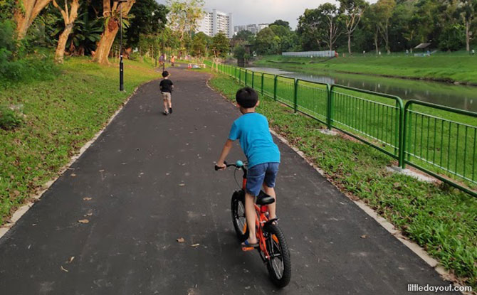 Family-friendly and Wheelchair-friendly Paths at Ulu Pandan Park Connector