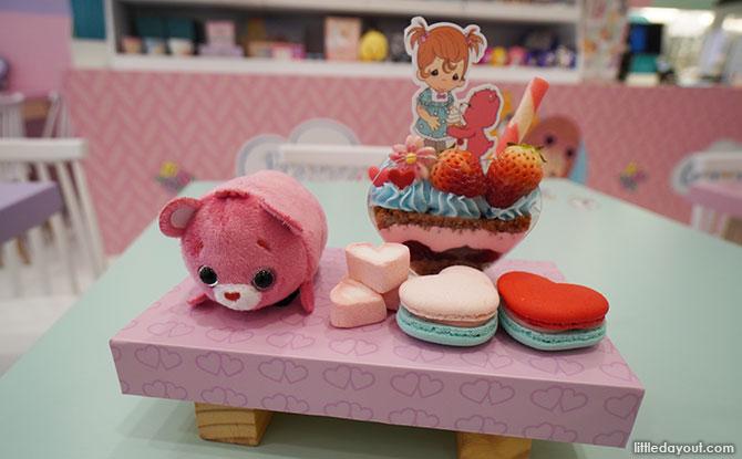 Full of Love Sakura strawberry mousse cup dessert set