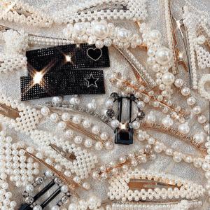 e18 Pearl hair clips