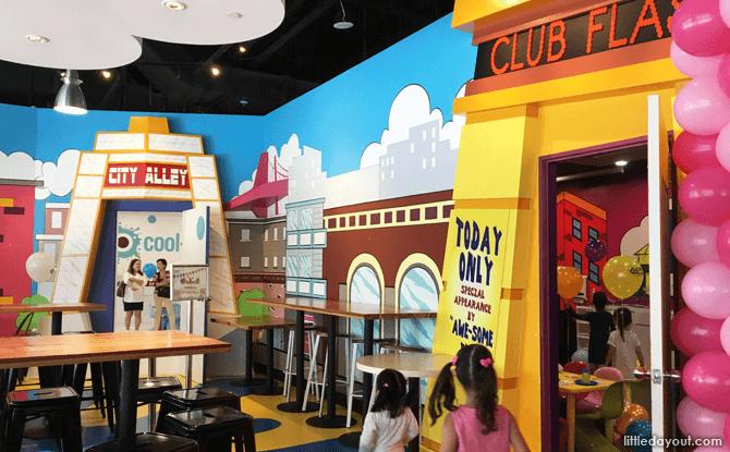 City Alley Room at Cool De Sac