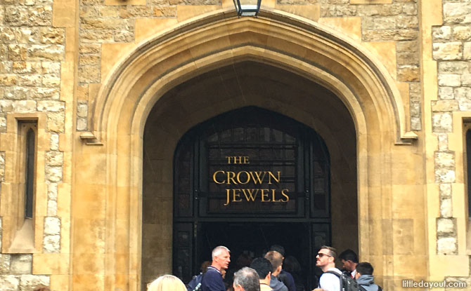 Viewing the Crown Jewels - Things to know for visiting the Tower of London