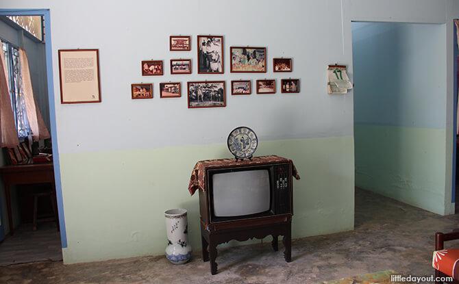 Pulau Ubin Chinese Kampong House: Black and White TV Set