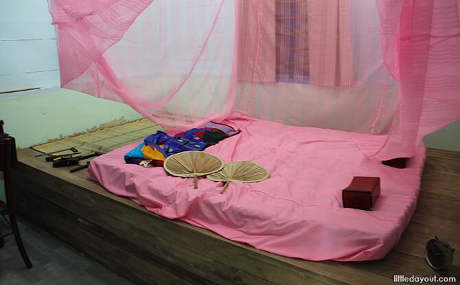 Pulau Ubin Chinese Kampong House: Typical Bedroom