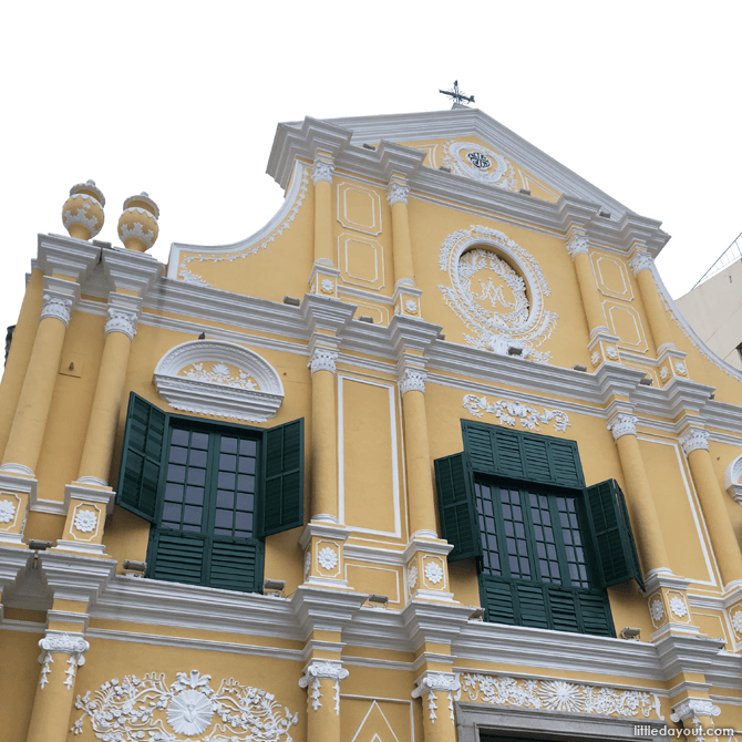 St. Dominic's Church stands majestically at the far end of Senado Square.