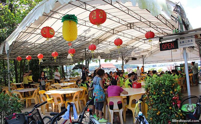 Pulau Ubin Chinese Kampong House: Season Live Seafood