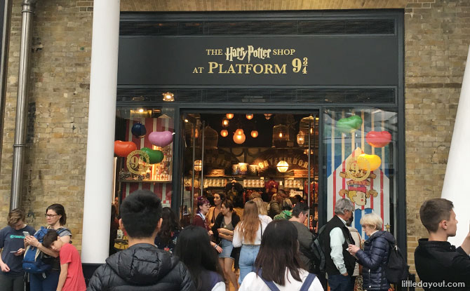 Platform 9 ¾, the Harry Potter Shop