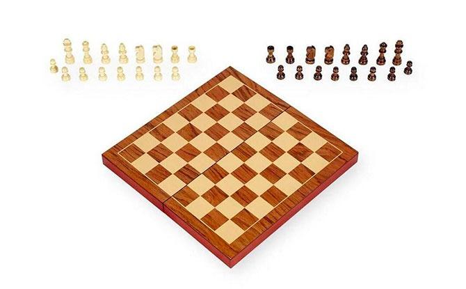 Toys R Us Pavilion Chess Sets